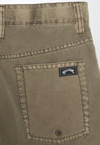 Billabong - OUTSIDER SUBMERSIBLE - Shorts - dark khaki - 2