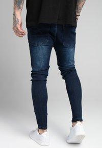 SIKSILK - EMBOSSED PRINT - Jeans Skinny Fit - raw blue - 4