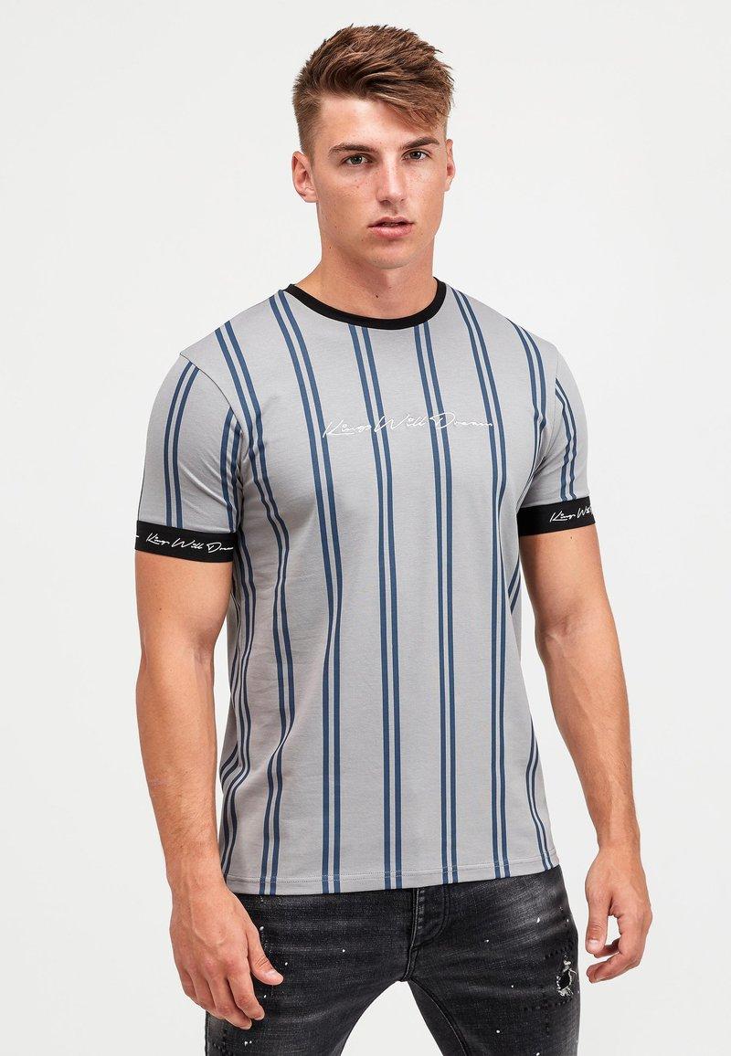 Kings Will Dream - CLERTON - Print T-shirt - grey/navy