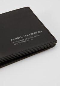 Piquadro - Portemonnee - black - 2