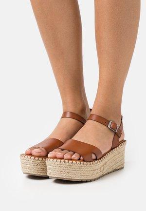 CUCA - Korkeakorkoiset sandaalit - cue