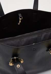 Versace Jeans Couture - SHOPPING BAG - Torba na zakupy - nero - 4