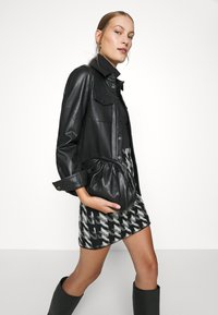 Opus - RAVENNA - Mini skirt - black - 4