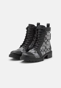 Coach - LANA BOOTIE - Šněrovací kotníkové boty - black - 2