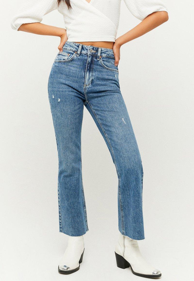 TALLY WEiJL - Flared Jeans - blu017