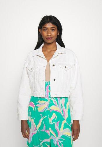 CROPPED JACKET - Denim jacket - antique white