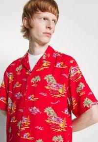 Carhartt WIP - BEACH - Shirt - etna red - 5