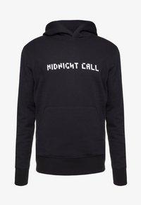 Bricktown - HOODIE BIG MIDNIGHT CALL BACKBIG MOON WOLF - Sweat à capuche - black - 4