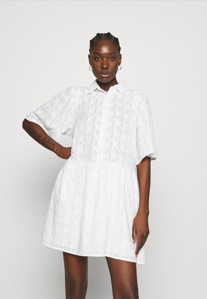 Stella Nova - Košilové šaty - white