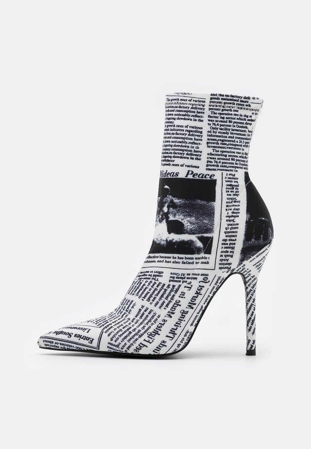 ROCIO - High heeled ankle boots - white/black