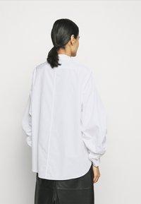 3.1 Phillip Lim - GATHERED - Košile - white - 2