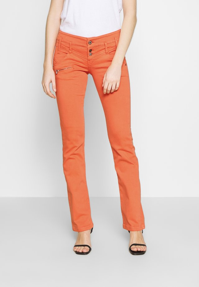 AMELIE MAGIC COLOR - Trousers - flamingo