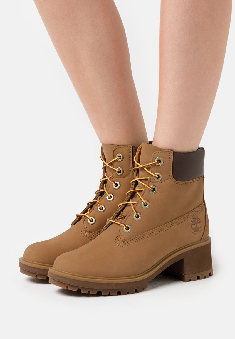 Timberland - KINSLEY 6 IN BOOT - Schnürstiefelette - wheat