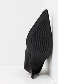 RAID - PRESCA - Botines de tacón - black - 6