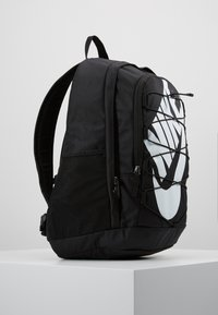 Nike Sportswear - HAYWARD 2.0 UNISEX - Reppu - black/black/white - 3