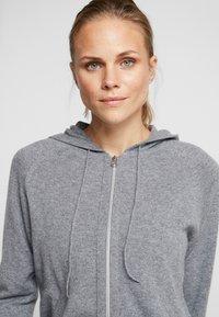 Filippa K - SOFT SPORT HOODIE - Sportovní bunda - grey melange - 4