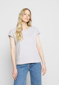Anna Field - 3 PACK - T-shirts - black/white/mottled light grey - 5
