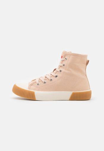 Sneakers alte - rose