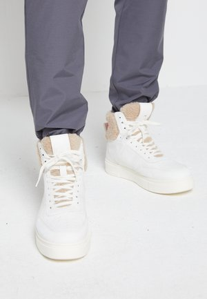 TOP  - Höga sneakers - white