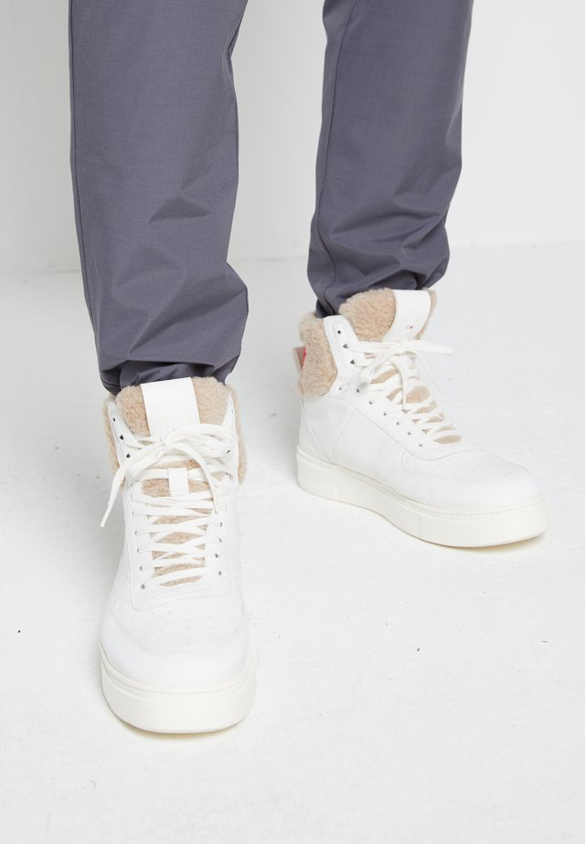 TOP  - Sneakers alte - white