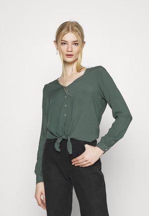 ONLNINA - Blouse - balsam green