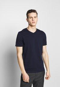 Benetton - BASIC VNECK - T-shirts basic - darkblue - 0