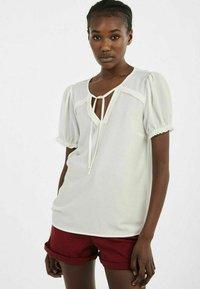 NAF NAF - PENT - Basic T-shirt - ecru - 3