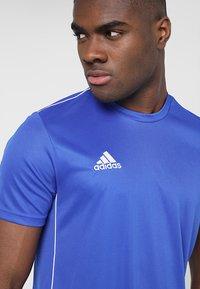 adidas Performance - AEROREADY PRIMEGREEN JERSEY SHORT SLEEVE - T-shirt z nadrukiem - blue/white - 3