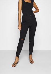 Missguided Petite - SINNER HIGHWAISTED DESTROYED - Jeans Skinny Fit - black - 0