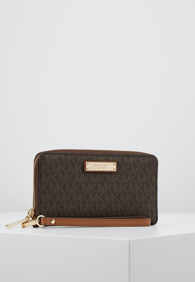 FLAT CASE - Wallet - brown