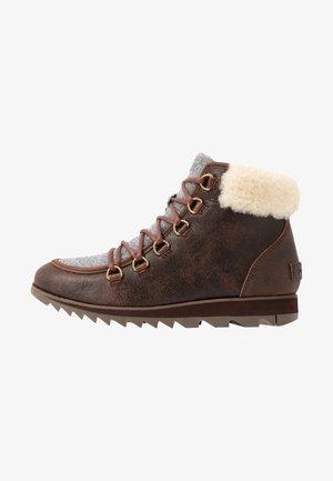 HARLOW LACE COZY FELT - Ankle boots - burro