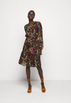 Denní šaty - khaki