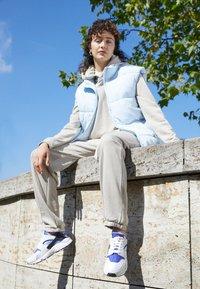 Nike Sportswear - HOODIE  - Sudadera - beige - 1