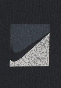 Nike Sportswear - TEE BRANDRIFF - T-shirt print - black - 6