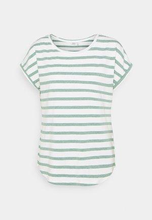 BYPAMILA O NECK - Print T-shirt - iceberg green