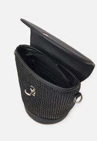 Seidenfelt - RANDERS SET - Across body bag - black - 2