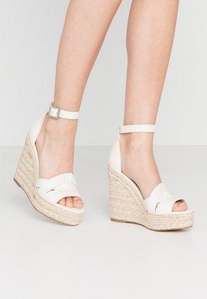 SIVIAN - Sandály na vysokém podpatku - white