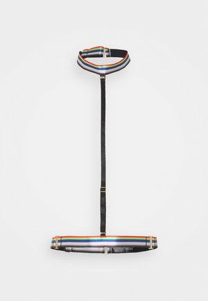 STRIPE ELASTIC HARNESS - Andre accessories - black/rainbow