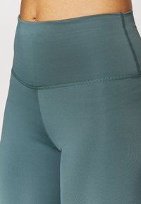 Nike Performance - THE YOGA 7/8 - Collants - hasta/dark teal green - 4