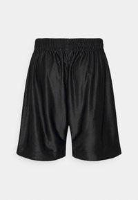 adidas Originals - LOGO - Shorts - black - 1