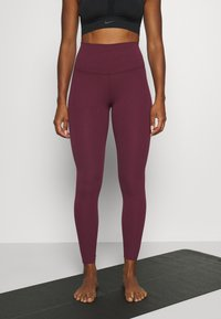 Nike Performance - THE YOGA LUXE - Medias - night maroon/team red - 0