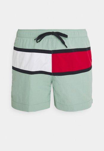 CORE FLAG MEDIUM DRAWSTRING - Swimming shorts - green