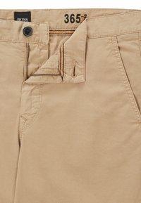 BOSS - Shorts - beige - 5