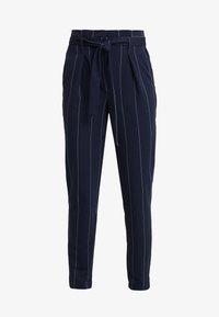 ONLY Tall - ONLNICOLE PAPERBACK ANKLE TEMPO - Spodnie materiałowe - night sky/cloud dancer - 3