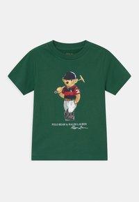Polo Ralph Lauren - T-shirt con stampa - stuart green - 0