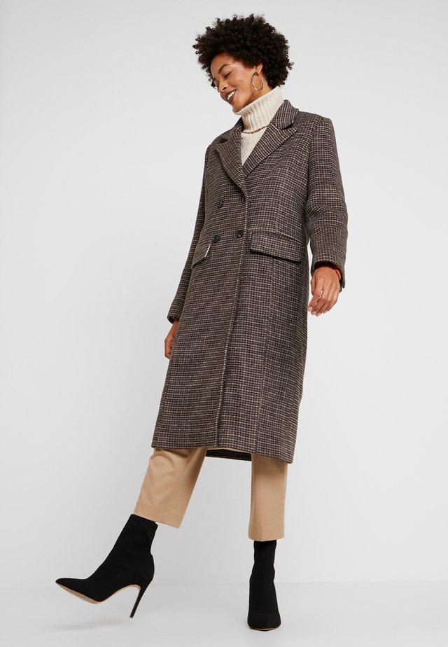 GULVA - Płaszcz wełniany /Płaszcz klasyczny - dachshund combi