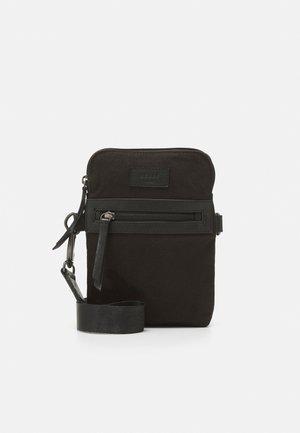 DAVID MINI MESSENGER - Across body bag - black