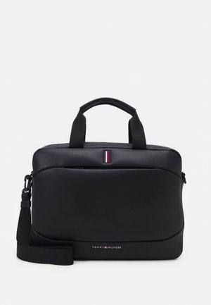 HOUR BAG UNISEX - Taška spříčným popruhem - black
