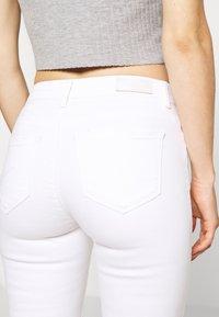 ONLY - ONLCARMEN DEST - Jeans Skinny Fit - white - 3