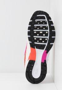 Nike Sportswear - P-6000 SUFA20  - Sneakers - pale ivory/white/fire pink/team orange/photon dust/black - 5